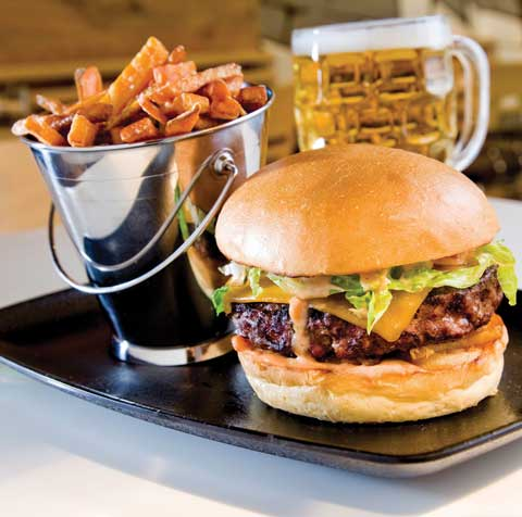 Culinary Trends - The quot;Munchburger; with Fancy Sauce